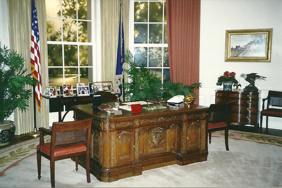 reagan oval office. A Replica Of Reagan\u0027s Oval Office Reagan O
