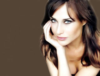 Claire Forlani Pictures