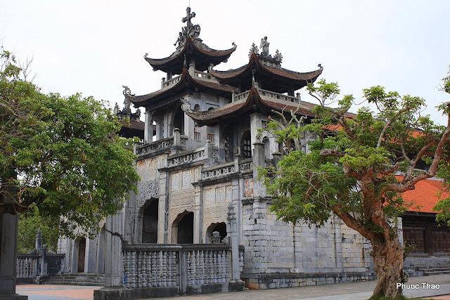 cho thuê xe ở tại Ninh Bình- nhà thờ Pháp Diệm