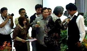 Pelantikan Ikang Fawzi Menjadi DUTA LIPI untuk Kebun Raya, Prof. Dr. Umar Anggoro J, Ikang Fawzi