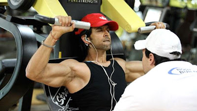 Secrets of Hrithik's Six Pack chiseled Body : Hrithik Roshan's physique for Krrish 3
