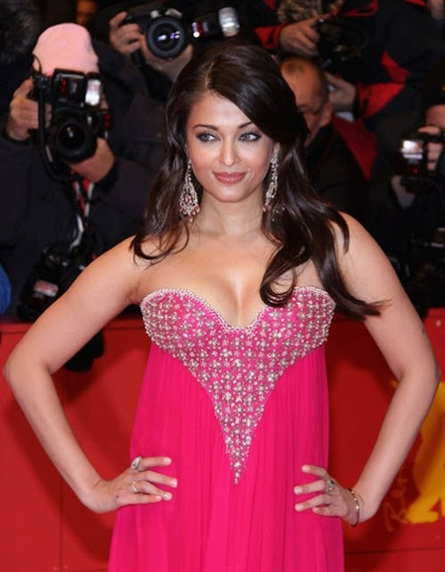 Aishwarya Rai full cleavage