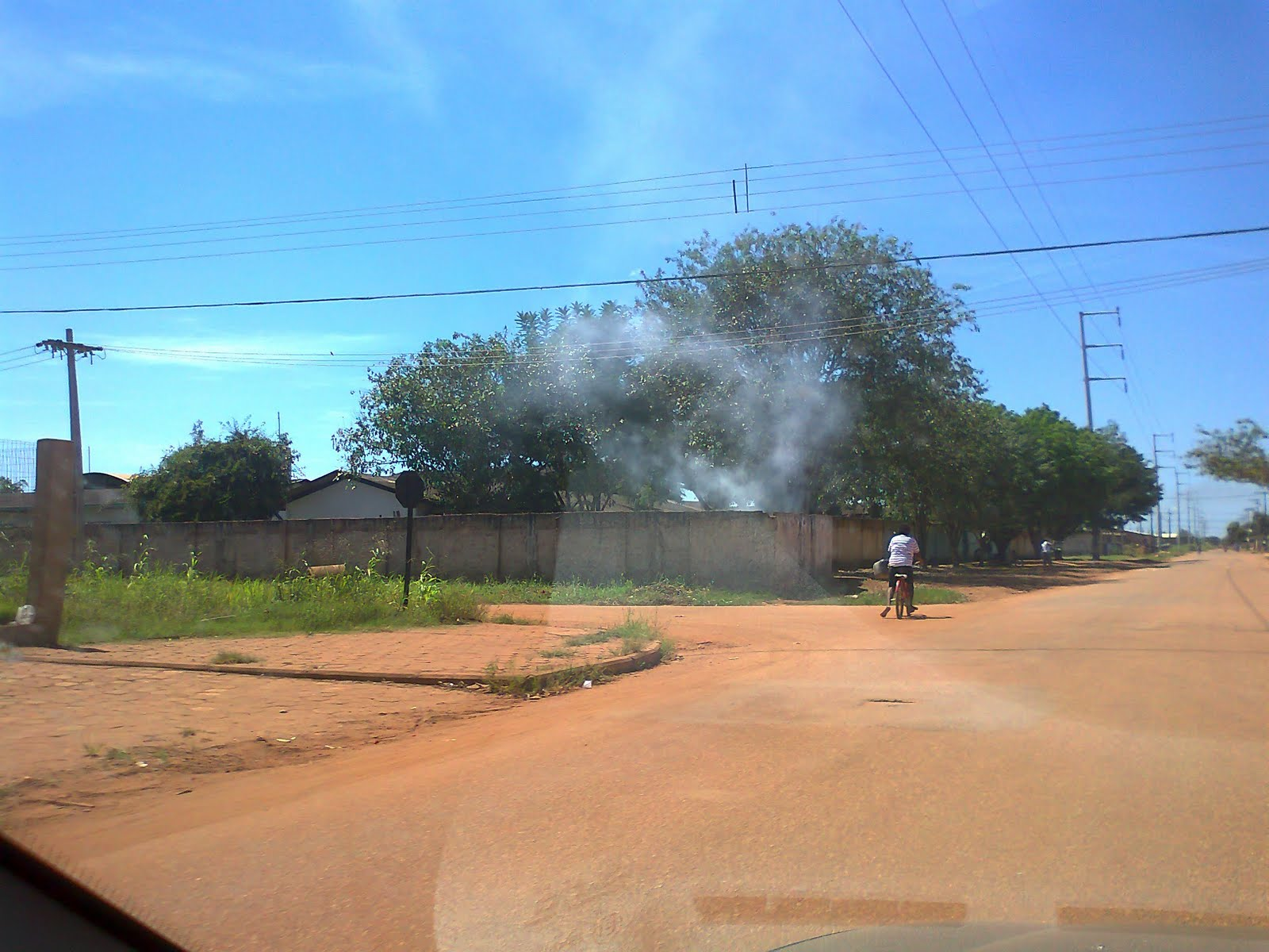 #0674C5  : Escola Maria Carmosina localizada na zona leste de Porto Velho 190 Janelas De Vidro Na Zona Leste
