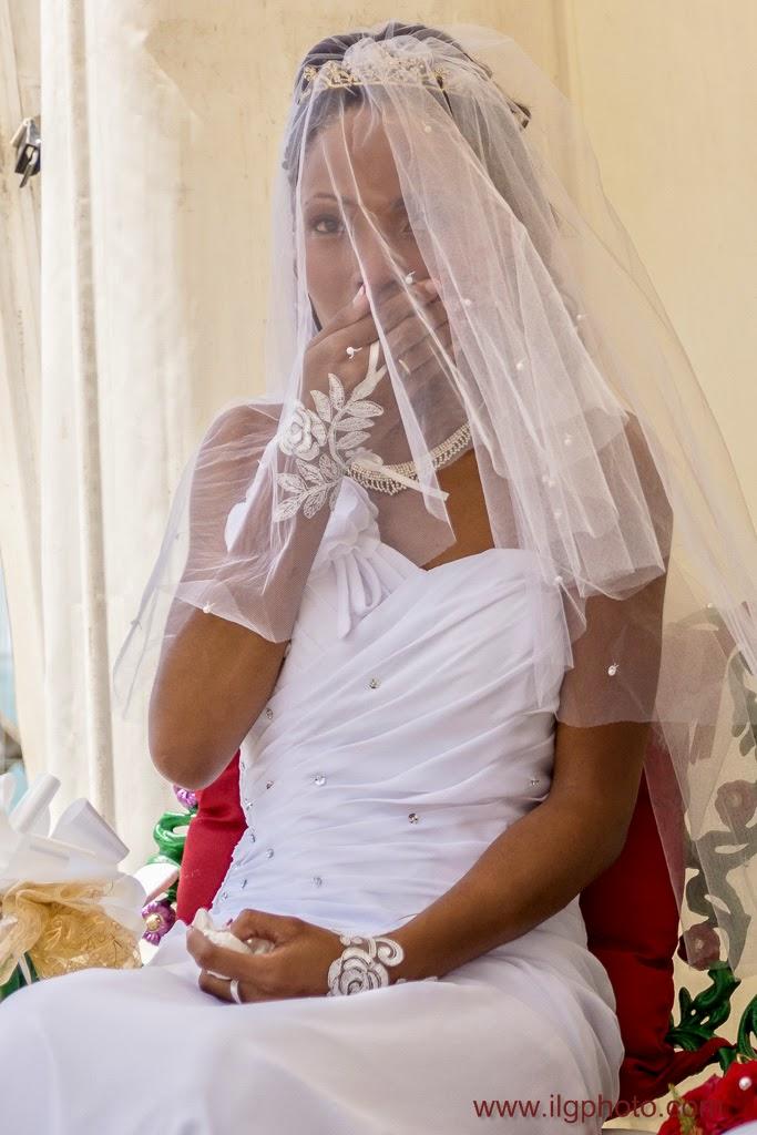 la mariée est émue