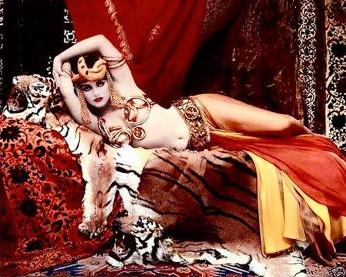 Marilyn Monroe caracterizada de Theda Bara