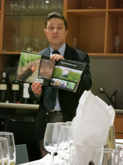 Geoffroy de La Besnardière describing sustainable viticulture at de l'Arjolle