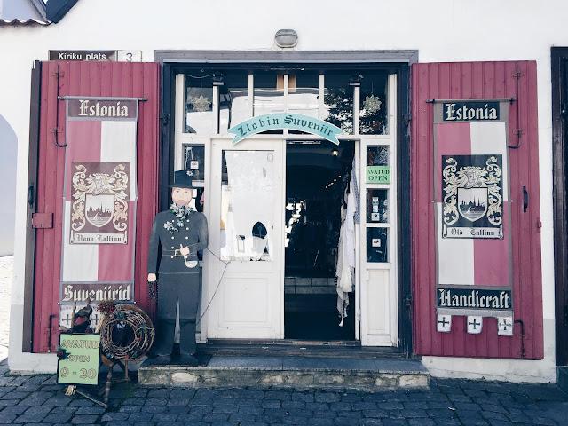 tallinn-oldtown-shop