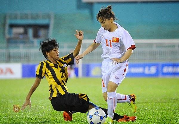 "Nữ Việt Nam ""hủy diệt"" Malaysia"