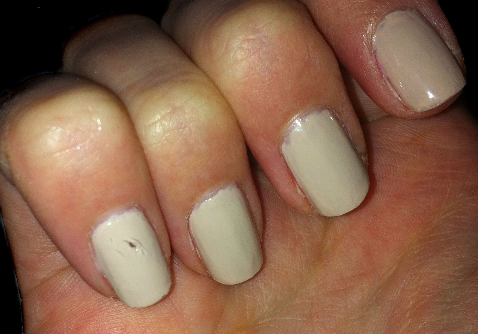 A Great Way To Repair Smudged Or Dented Nail Varnish
