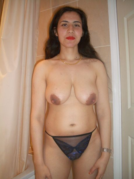 naked full figured mom