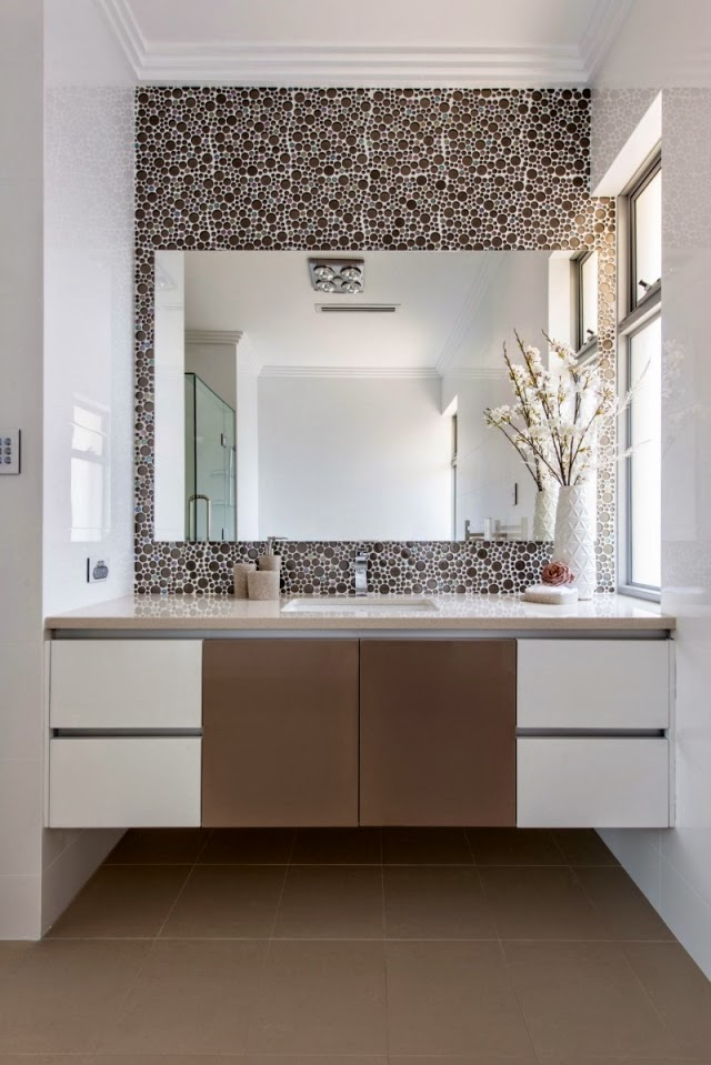 Wall Mounted Washbasin Cabinet Decoration Wall Design Ornaments Flower Vase