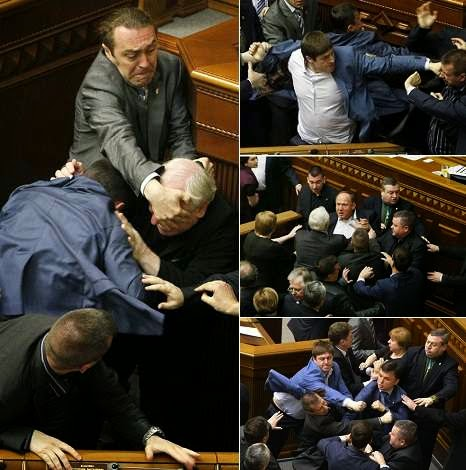 fighting breaks out in Ukraine parliament