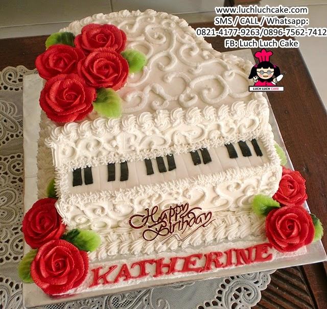 Kue Tart Piano Buttercream Cake 3d