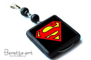 wisiorek z supermenem