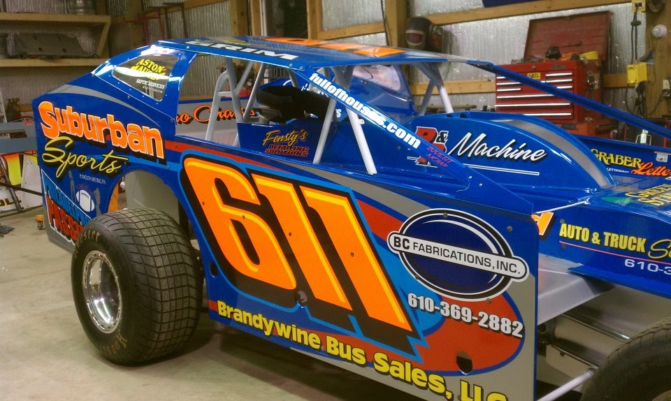 Club wago 39 s dirt racing blog brad grim 39 s 2012 modified for Dirt track race car paint schemes