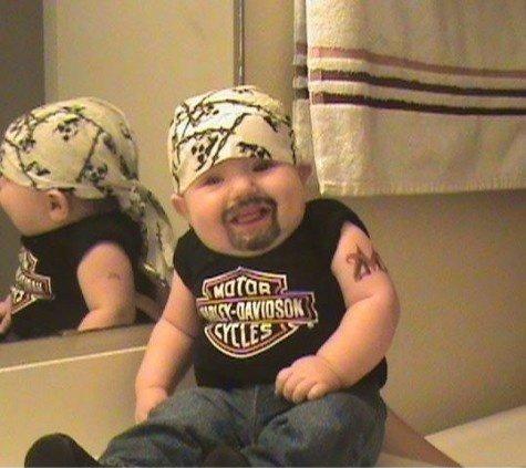 Bebé motociclista