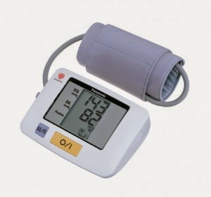 Buy Panasonic Diagnostic EW 3106 Upper Arm Blood Pressure Monitor for Rs.1950 at Snapdeal : BuyToEarn