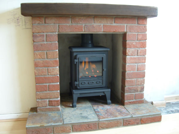 Brick laminate picture brick fireplaces for stoves - Brick fireplace surrounds ideas ...