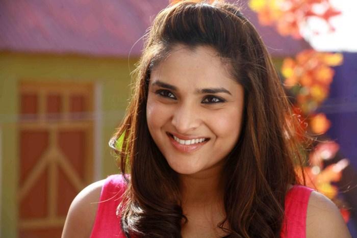 Kannada Actress Ramya Alias Divya Spandana