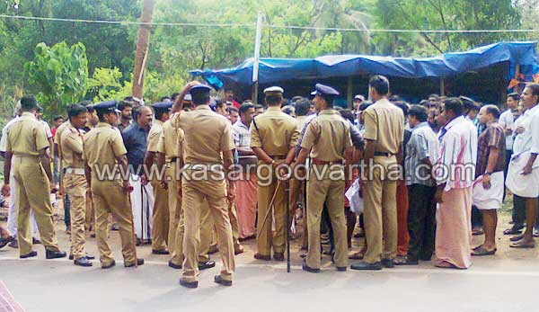 Udma, CPM, BJP, Clash, Temple Fest, Police, Kasaragod, Festoon, Decoration, Kerala News,