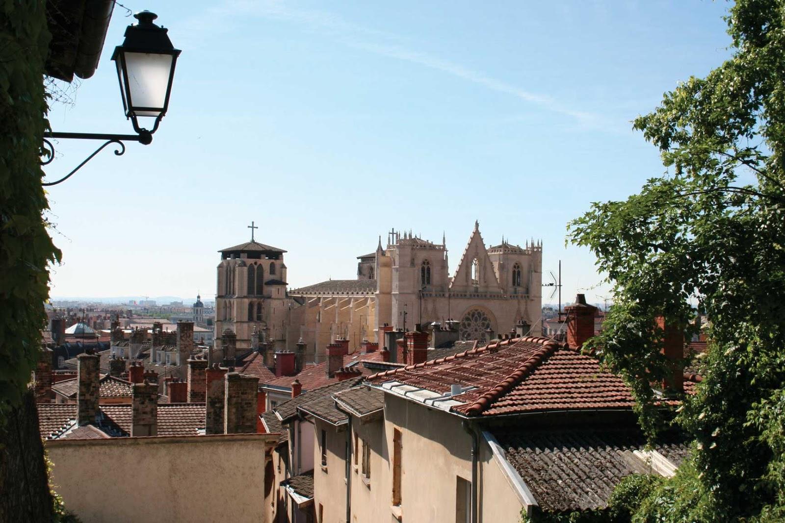 cathédrale Saint-Jean montée des Chazeaux vue panoramique - visite guidée de Lyon - Nicolas Bruno Jacquet