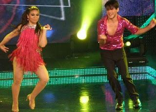 Foto de Jean Paul Santa bailando Samba con Carmen Varillas
