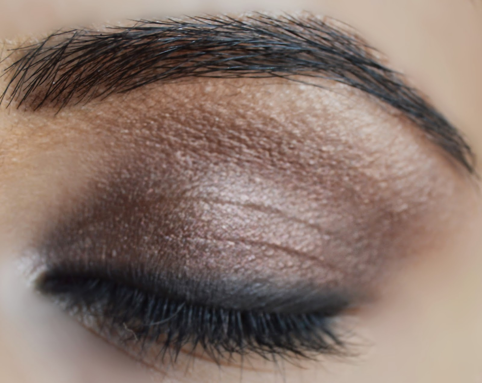 Brown smokey eye makeup tutorial.