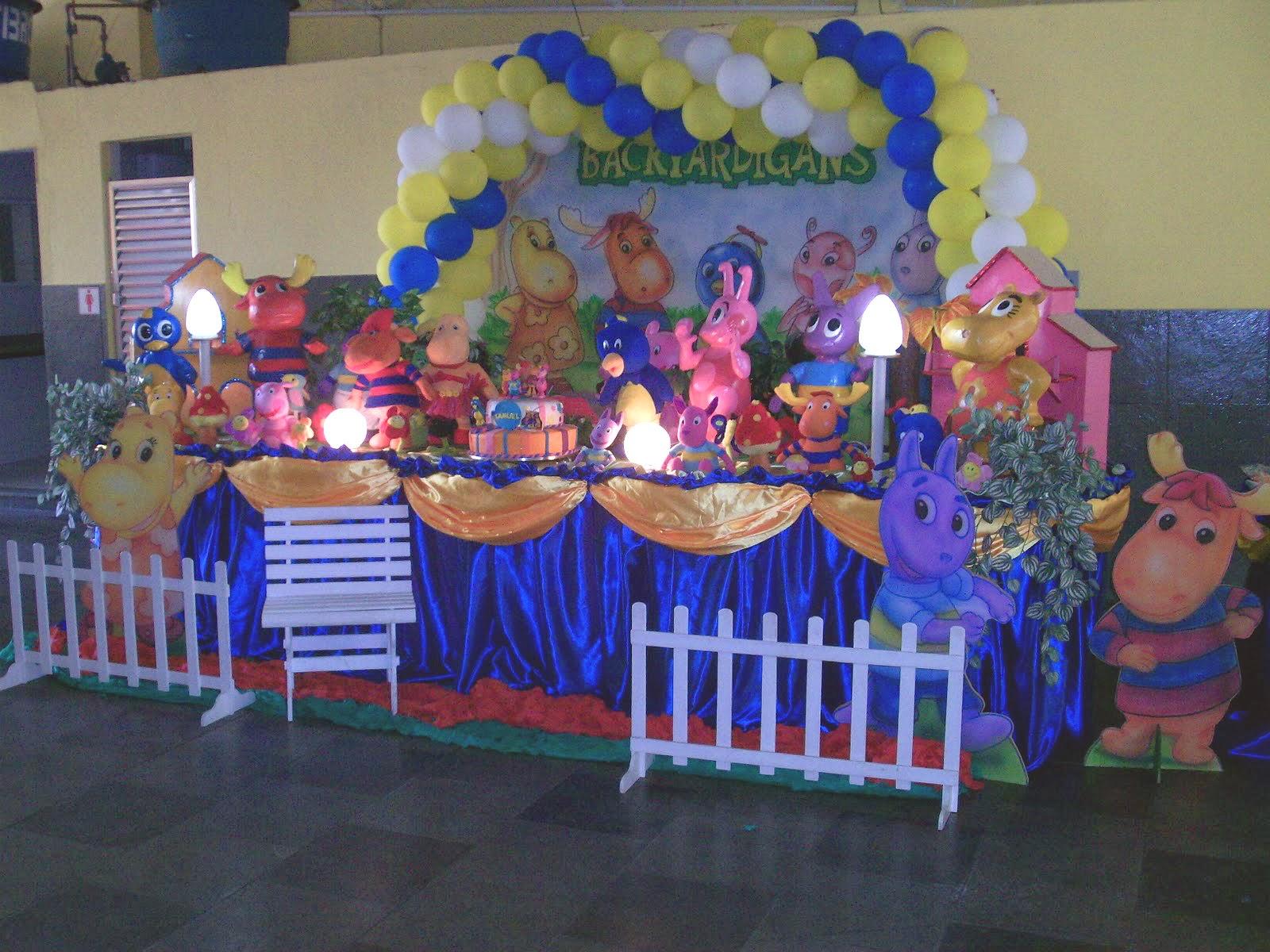 mesa de tema de aniversário infantil - Backyardigans