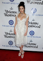 Charli XCX show ample breast n plunging dress at The Art of Elysium 2016 HEAVEN Gala red carpet photo