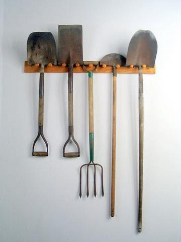 El jardinero plantas y flores herramientas jard n for Guarda herramientas para jardin