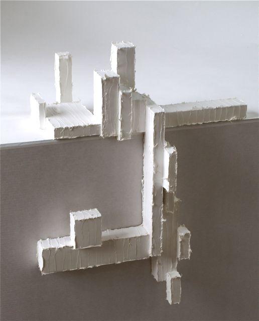 z.t., 2012, 69 x 79 x57,5 cm, hout, kit en verf