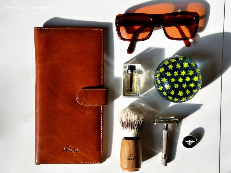 men-fashion-accesories-mario-hernandez-leather-chest-pocket-wallet-Sunglasses-Dior-Homme-intense-paperweight-Hair-Shaving-Brush-vintage-razor-machine-Dior-Homme-pin-como-una-aparición
