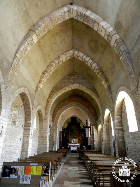OZENAY (71) - Eglise Saint-Gervais et Saint-Protais