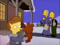 Mały Burns wraz z rodzicami i misiem Bobo