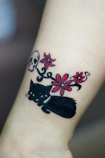 forasteiro tattoo tattoo pequeno com potencial