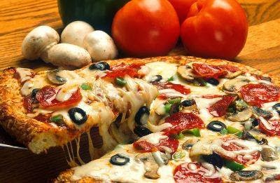 Nefis Pizza Tarifi Yapımı
