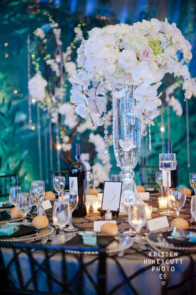 Seattle Aquarium wedding, black and white wedding, orchid centerpiece