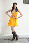 actress pragathi hot photos in yellow-thumbnail-13