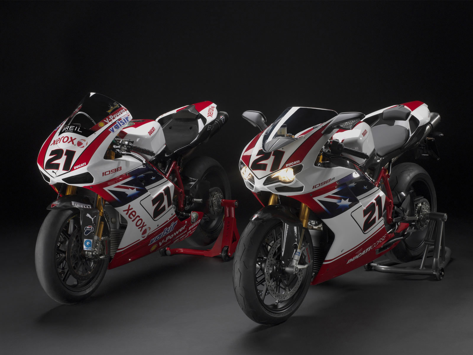 http://3.bp.blogspot.com/-HUa2SiMe7l4/To0kGj4ms-I/AAAAAAAABlg/TUmDUfAmyxk/s1600/2009-DUCATI-1098R-%20Bayliss-LE_motorcycle-desktop-wallpaper-4.jpg