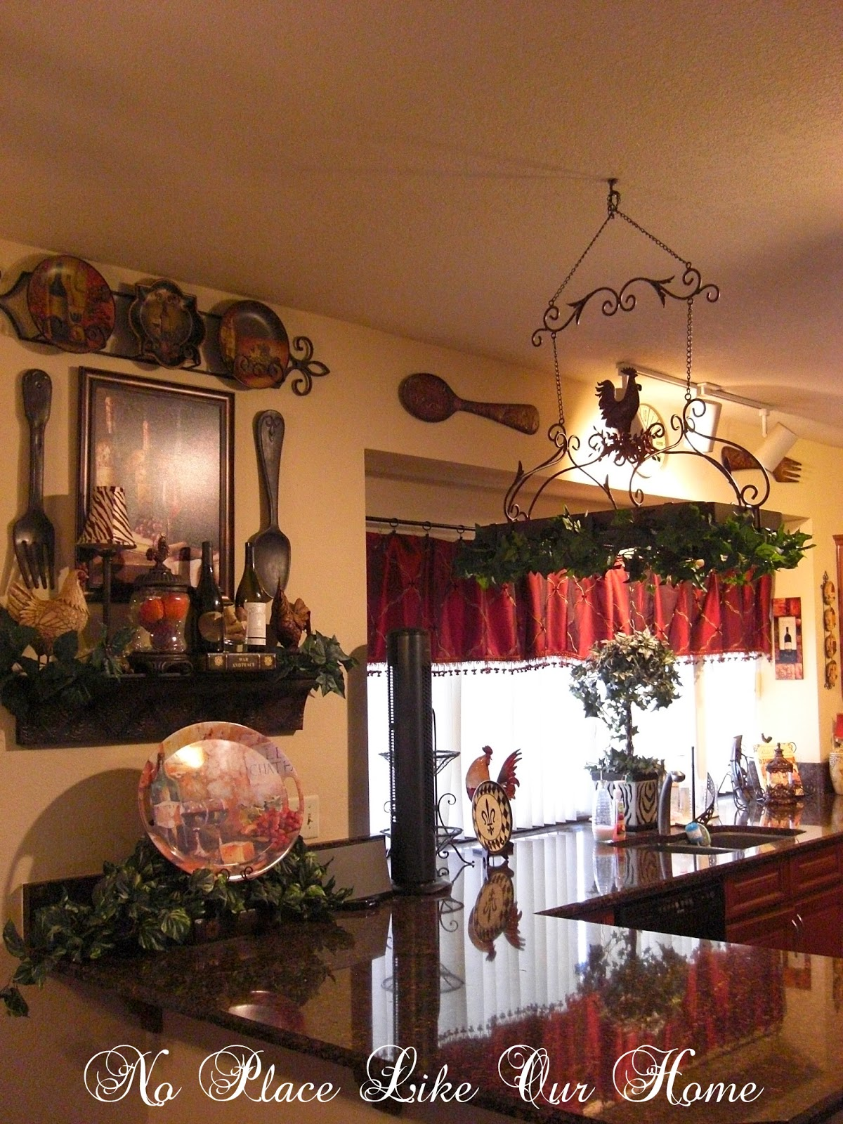 Wine decor for kitchen decorating your kitchen with for Wine country decorating style