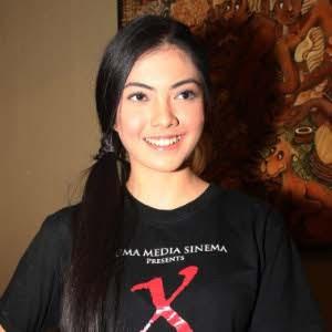 cinta dewi Foto Bugil Dewi Cinta Tanpa Sensor