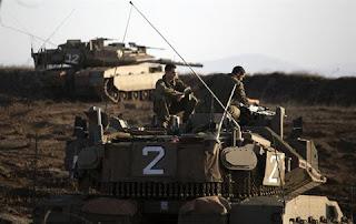 Israeli_Tank_in_the_Golan_Heights_region