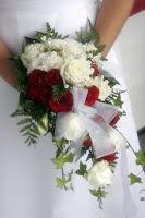 Hoa cưới kiểu thác đổ 3