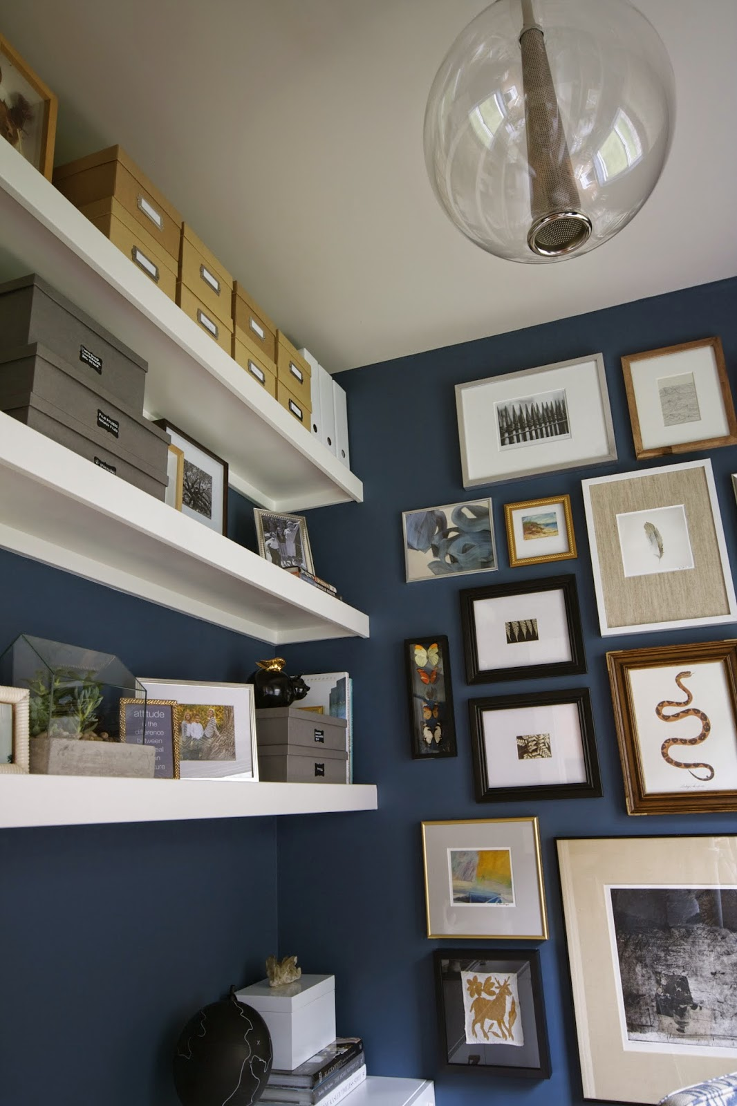 Design dump one room challenge reveal my mini office for Benjamin moore office