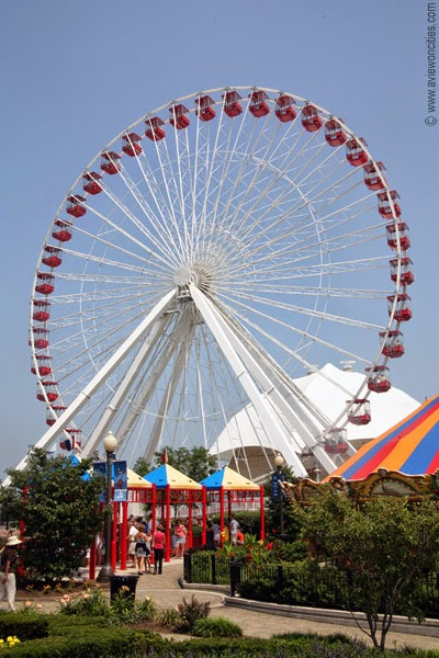 Ferris-Wheel,-Navy-Pier