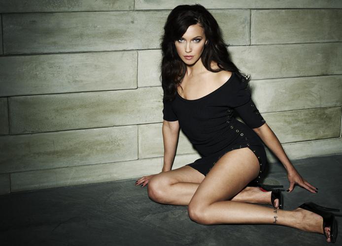 celebrity Gossip: Katie Cassidy In Black Dress