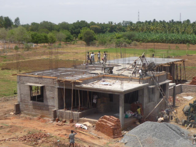 Shalom home india roof slab poured for Building a house on a slab