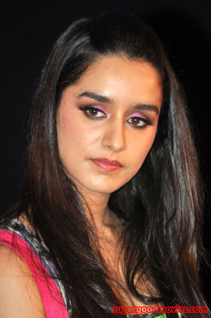 Shraddha Kapoor Half Up Half Down Hairstyle