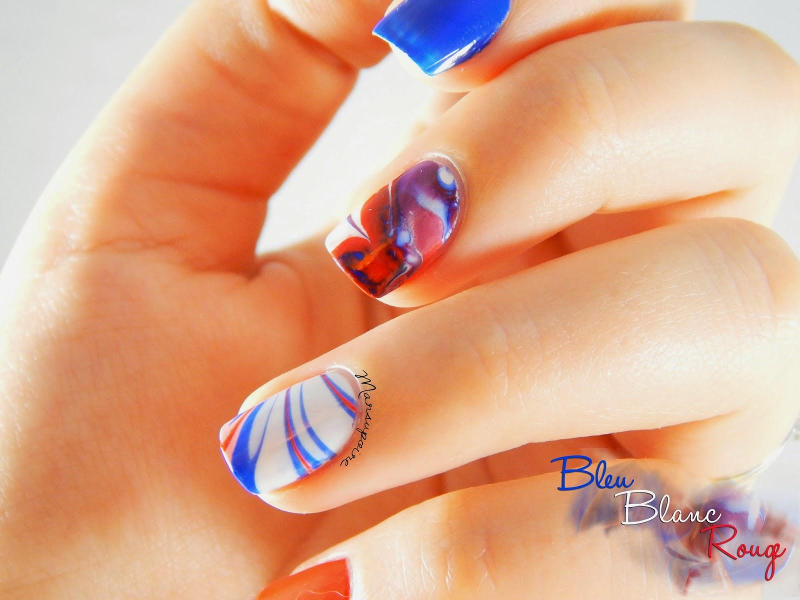 Nail art Watermarble bleu blanc rouge 2