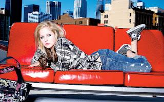 Blonde Blue Eyes Avril Lavigne City Buildings
